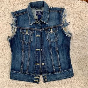 Lucky Brand denim vest distressed arm openings